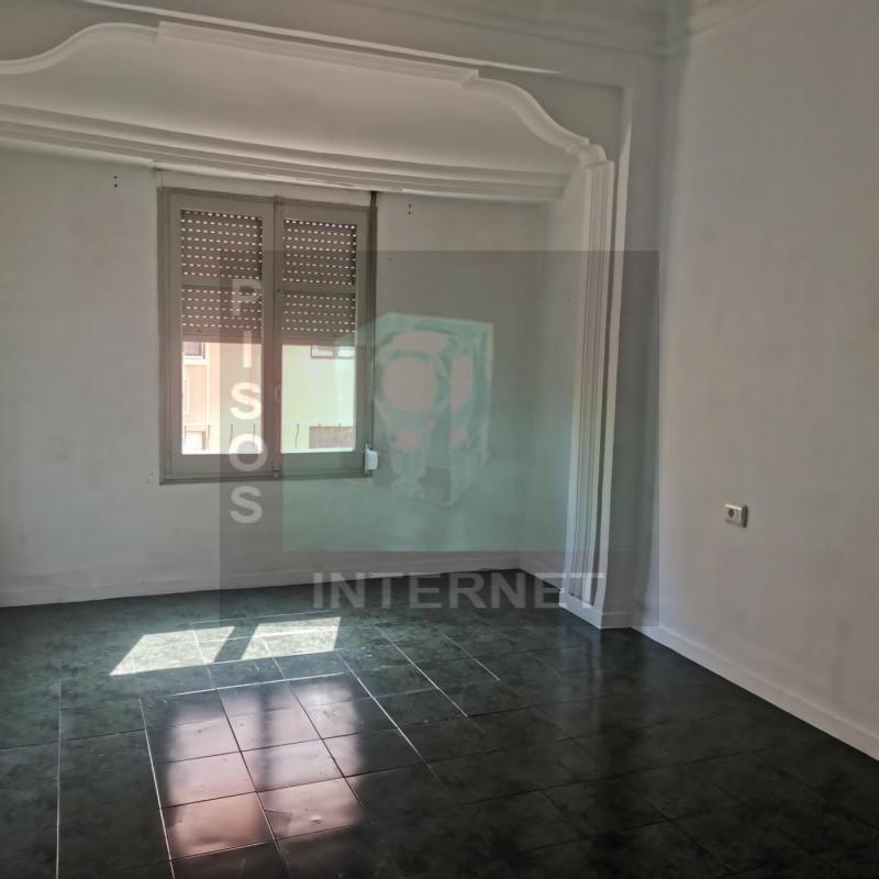 Alquiler de piso con cinco dormitorios