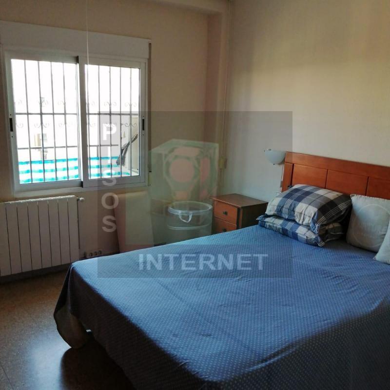 Alquiler de piso con 3 dormitorios