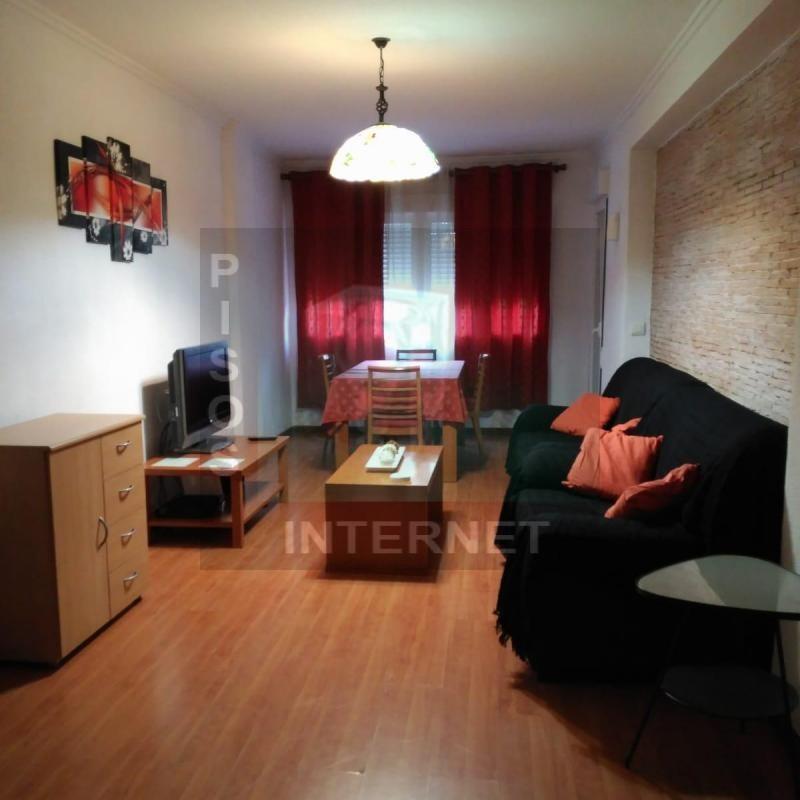 Alquiler de piso con muebles en Algiros